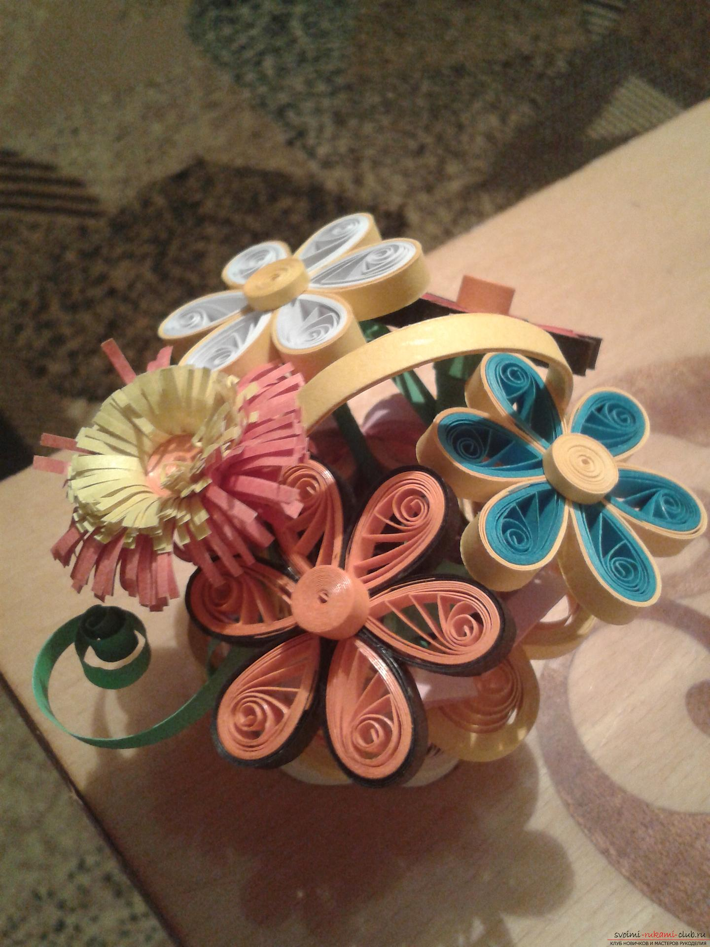 This detailed master-class of quilling colors will tell you how to make your own hands a bouquet in the basket .. Photo №1