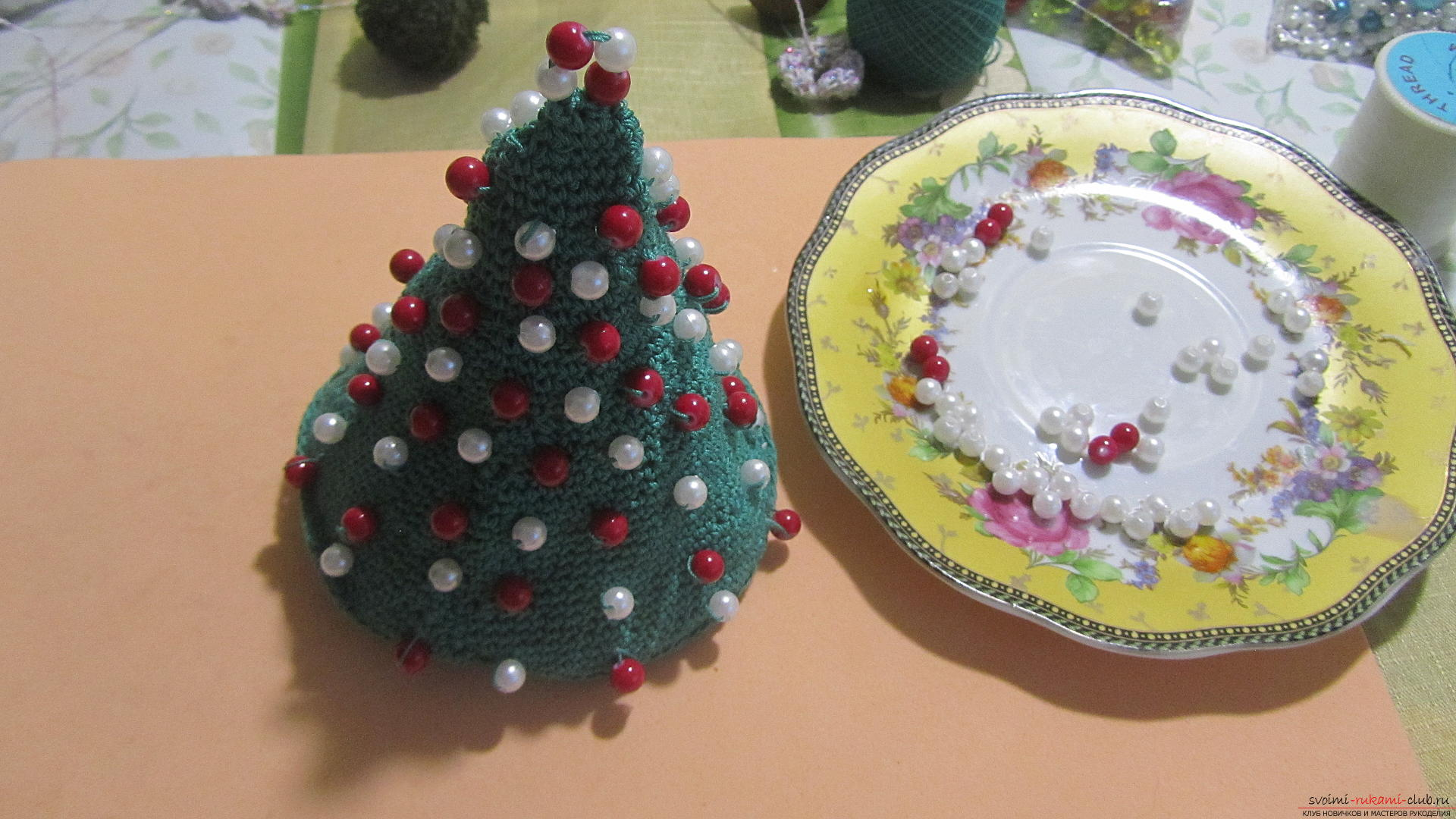This master class contains a description of a crocheted Christmas tree - the original crafts for the New Year with their own hands. Photo # 23