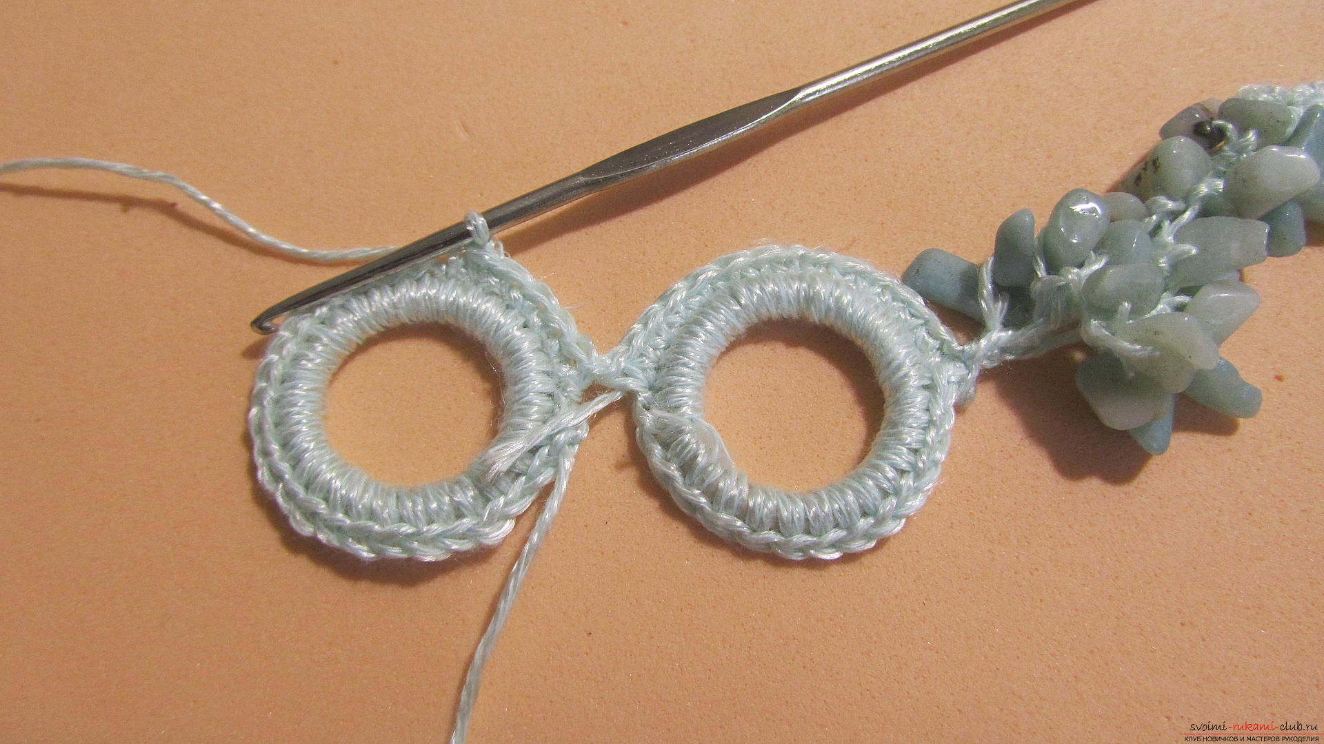 This master class will teach you how to make jewelry yourself, a homemade necklace can be crocheted. Photo # 23