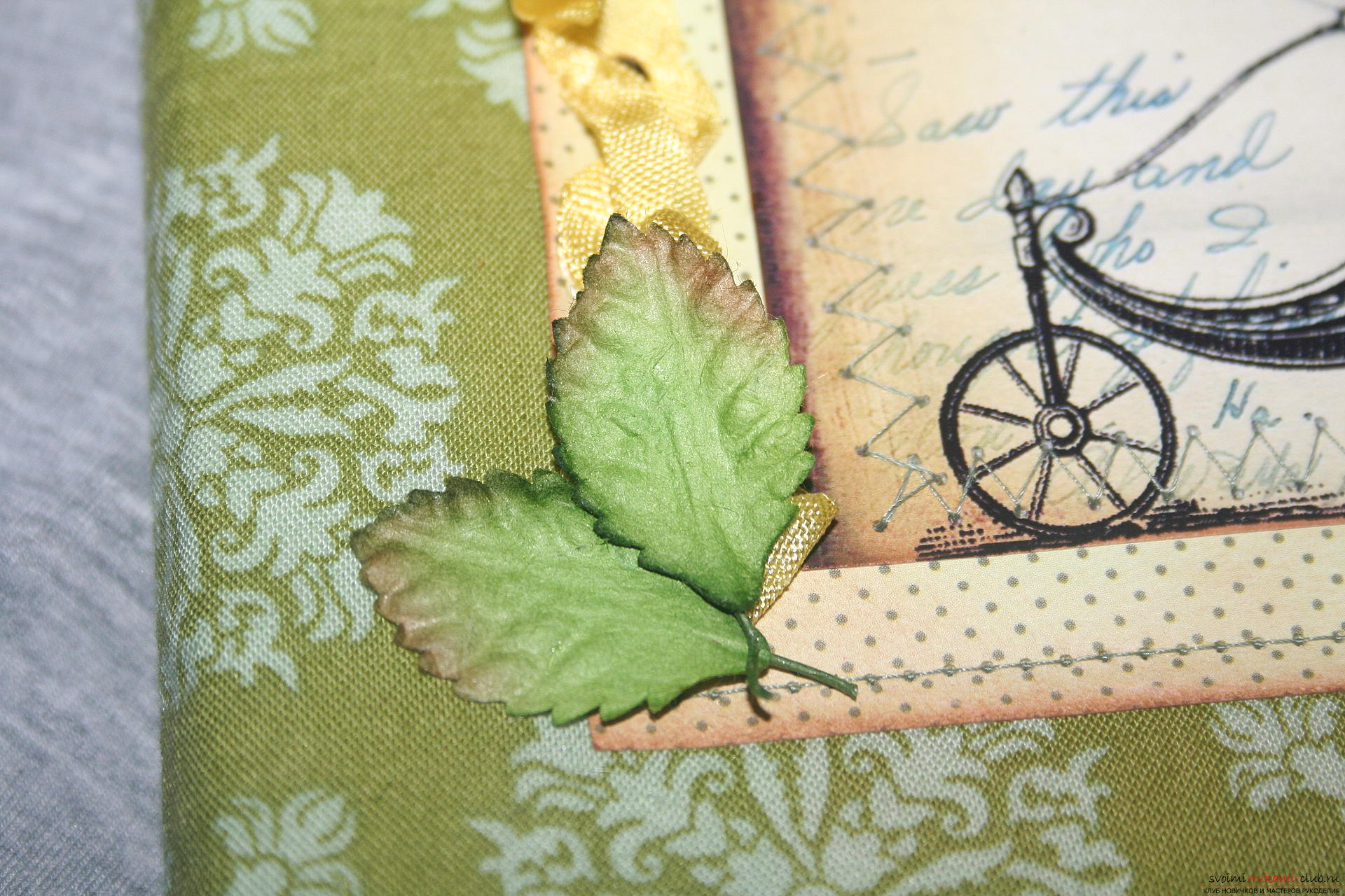 This master class will teach you how to make an original gift for the New Year - scrapbooking notebook. Photo №32