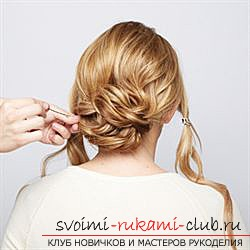 Festive hairstyles can be made with your own hands at home. Simple and easy to perform laying with photos and job descriptions step by step .. Photo # 5