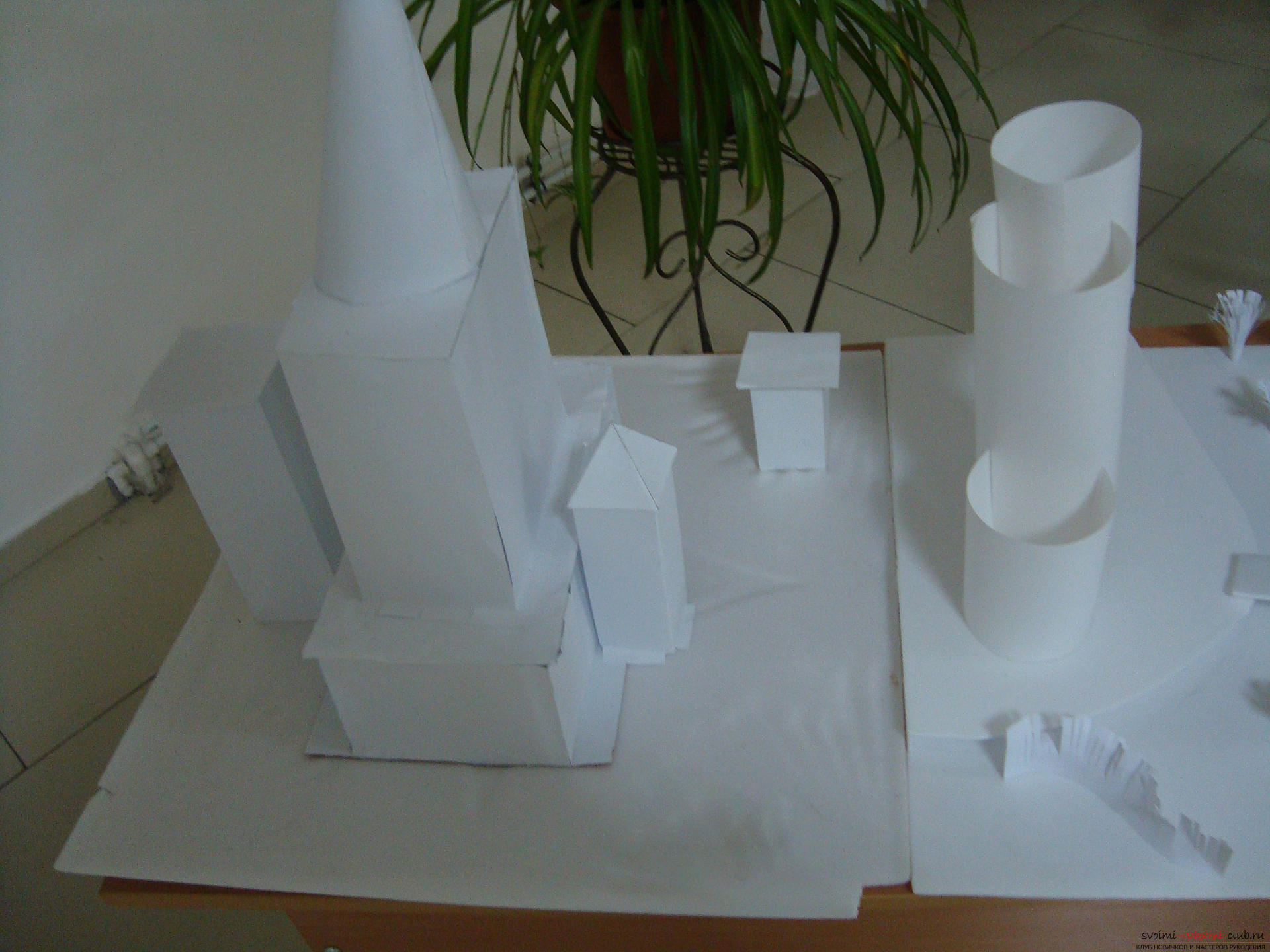 This master class with a photo will teach how to make a house of paper with your own hands .. Photo # 1