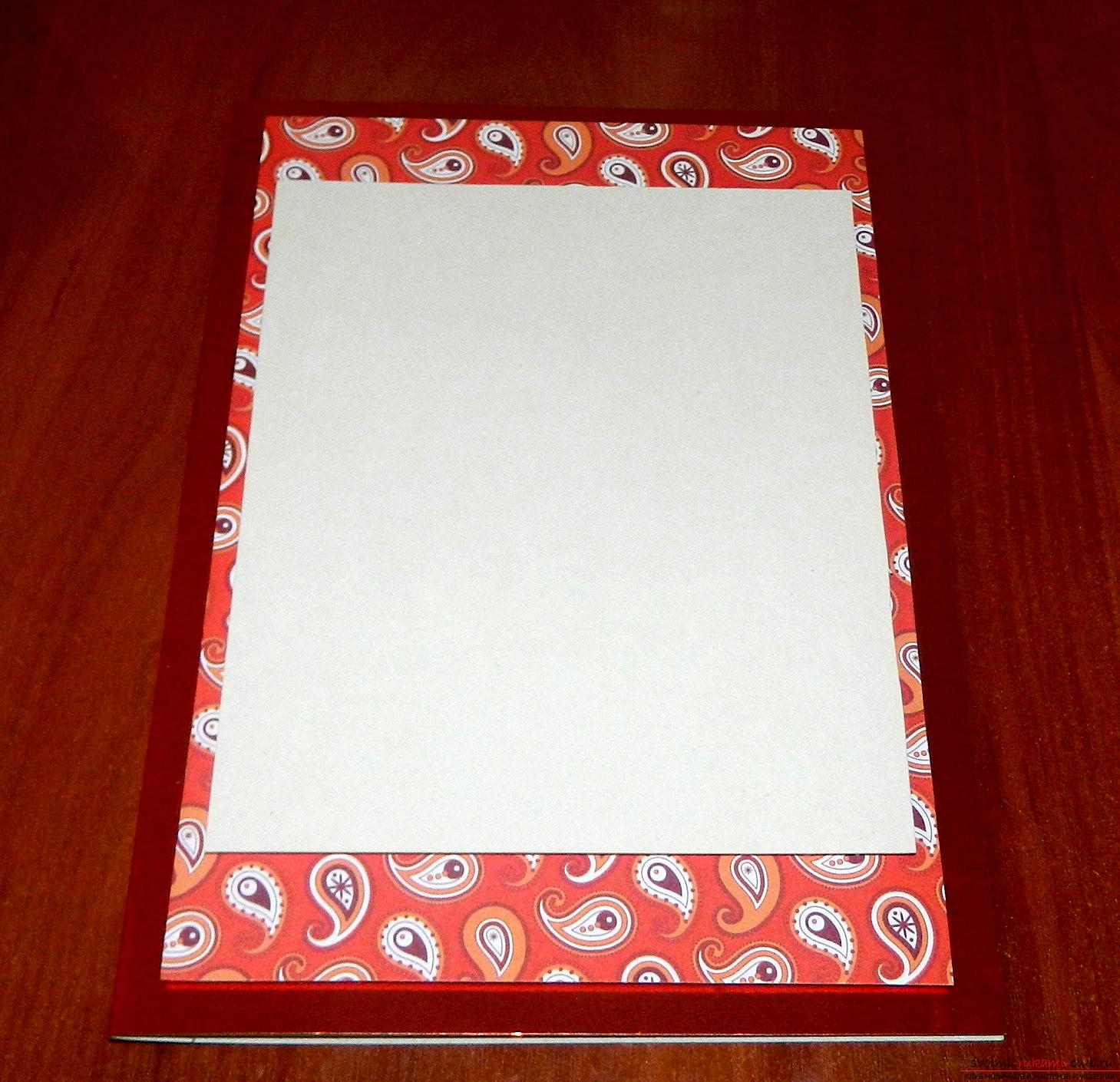 If you want to learn how to make a card with your own hands, look into this master class .. Photo # 4