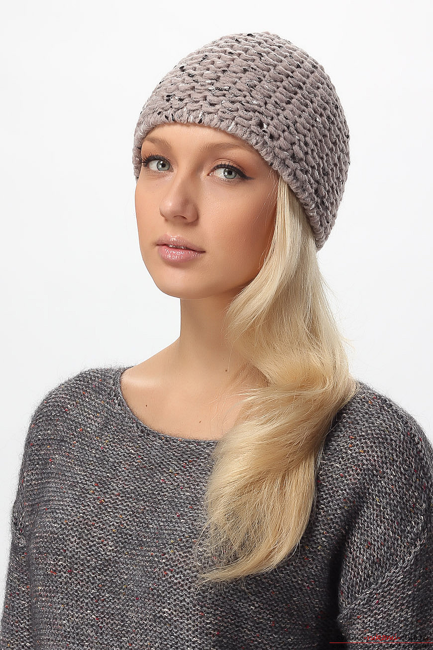 a knitted woman's knitted hat made from twisted yarn. Picture №3