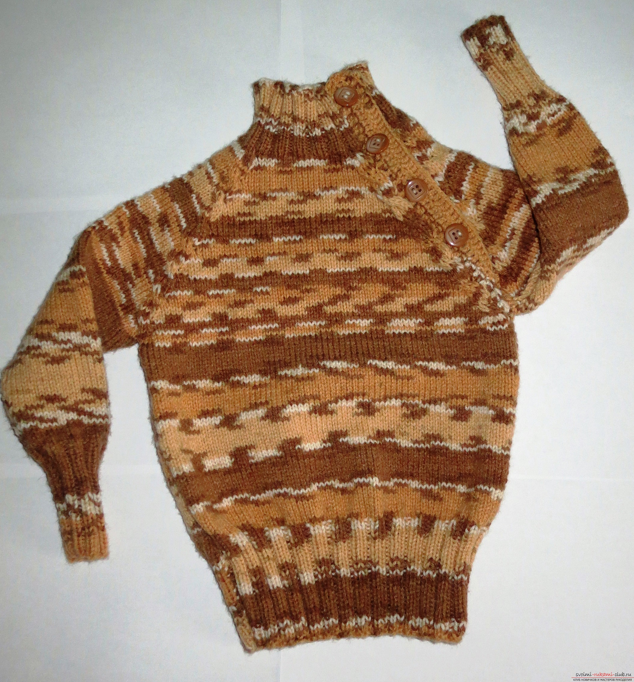 a raglan sweater for a child. Photo Number 9