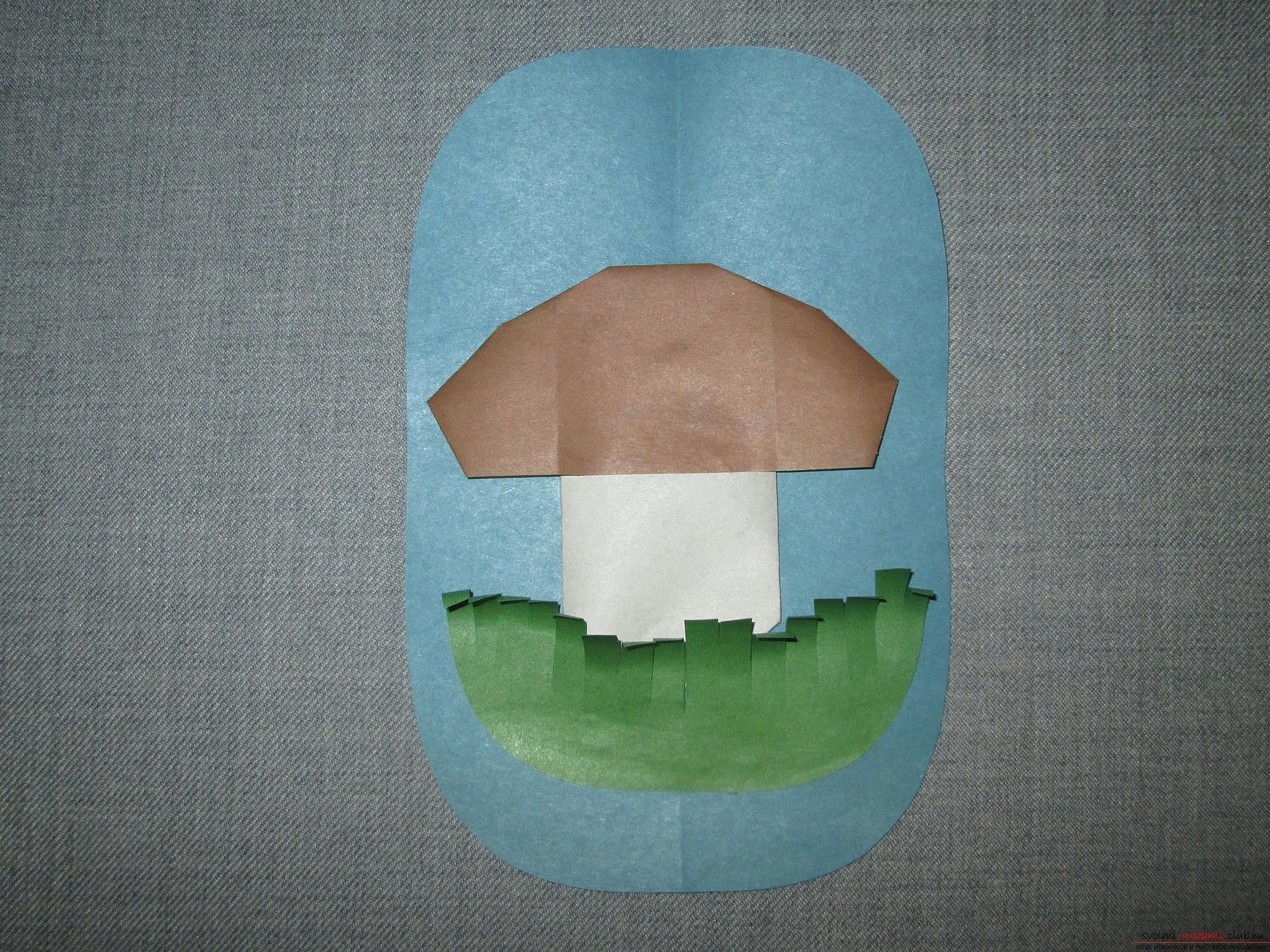 This detailed workshop of origami for children of 8 years will teach how to make an origami-mushroom from paper .. Photo # 1