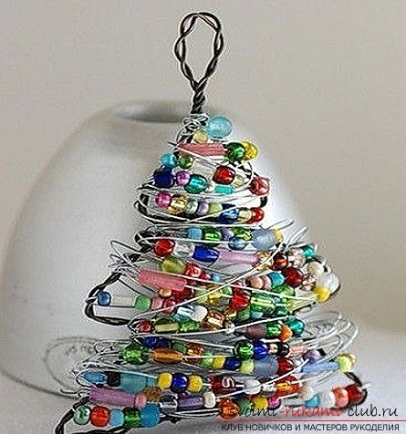 How to make crafts on a Christmas tree. Crafts from wire. Photo-materials for free .. Picture №2