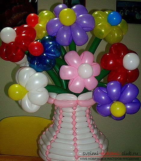 Crafts made of balloons, made by own hands. Colorful photo for example .. Photo # 1