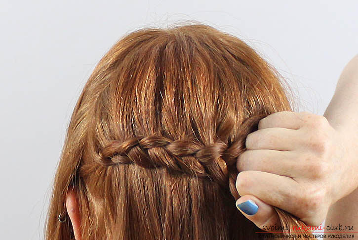 Scythe on average hair, tips and advice on weaving the braid with your own hands .. Photo # 4