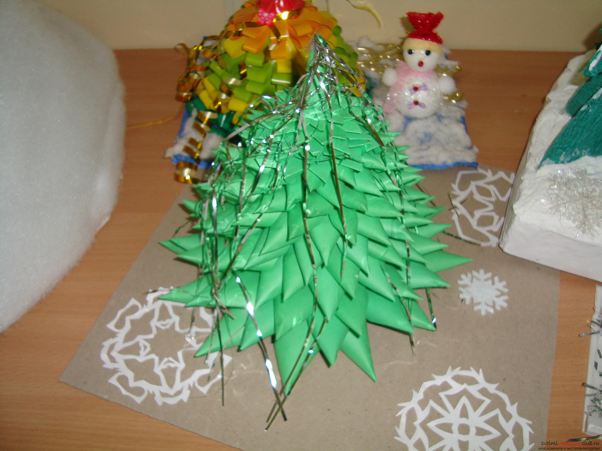 New Year snowflakes and Christmas toys with their own hands - master class origami