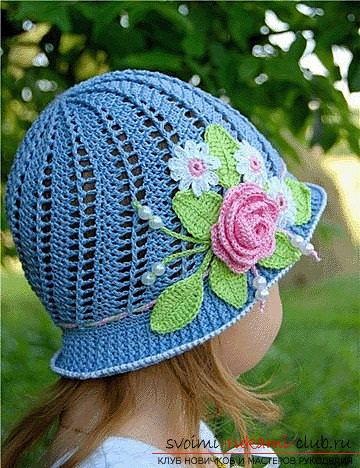 How to crochet a panama for a girl, decorated with flowers, schemes and job description, photo of the finished product. Photo №1
