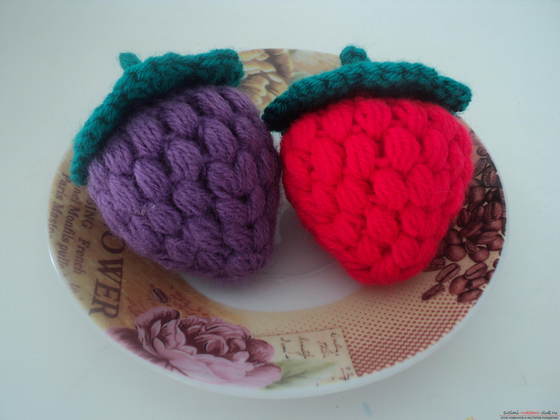 This detailed master class contains a crochet lesson and will teach you how to bind berries yourself. Photo # 15