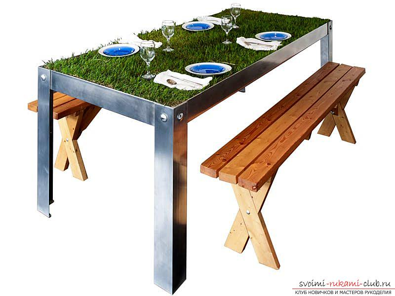 Eco-design in the interior, pieces of furniture with a natural green lawn, a table with a grassy surface .. Photo # 2