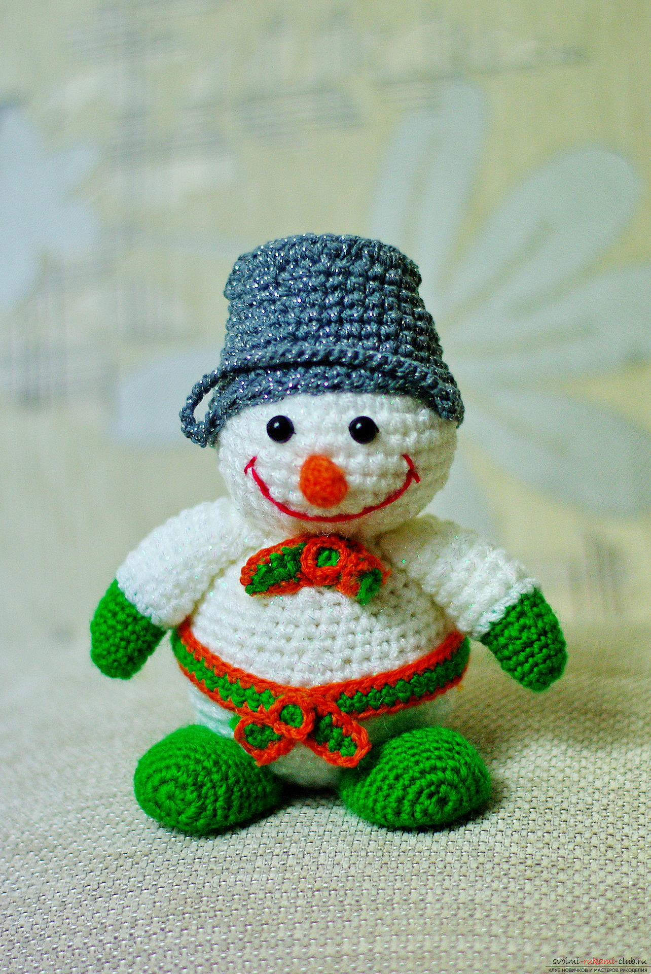 We knit a New Year's snowman with a crochet with a detailed master class, supplemented by step-by-step photos. Picture №37