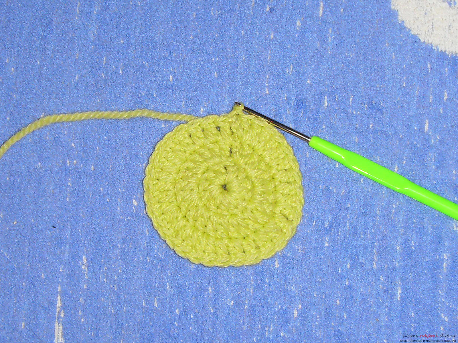 A master class with a diagram, a photo and a description will teach knitting crochet for a girl. Photo №7
