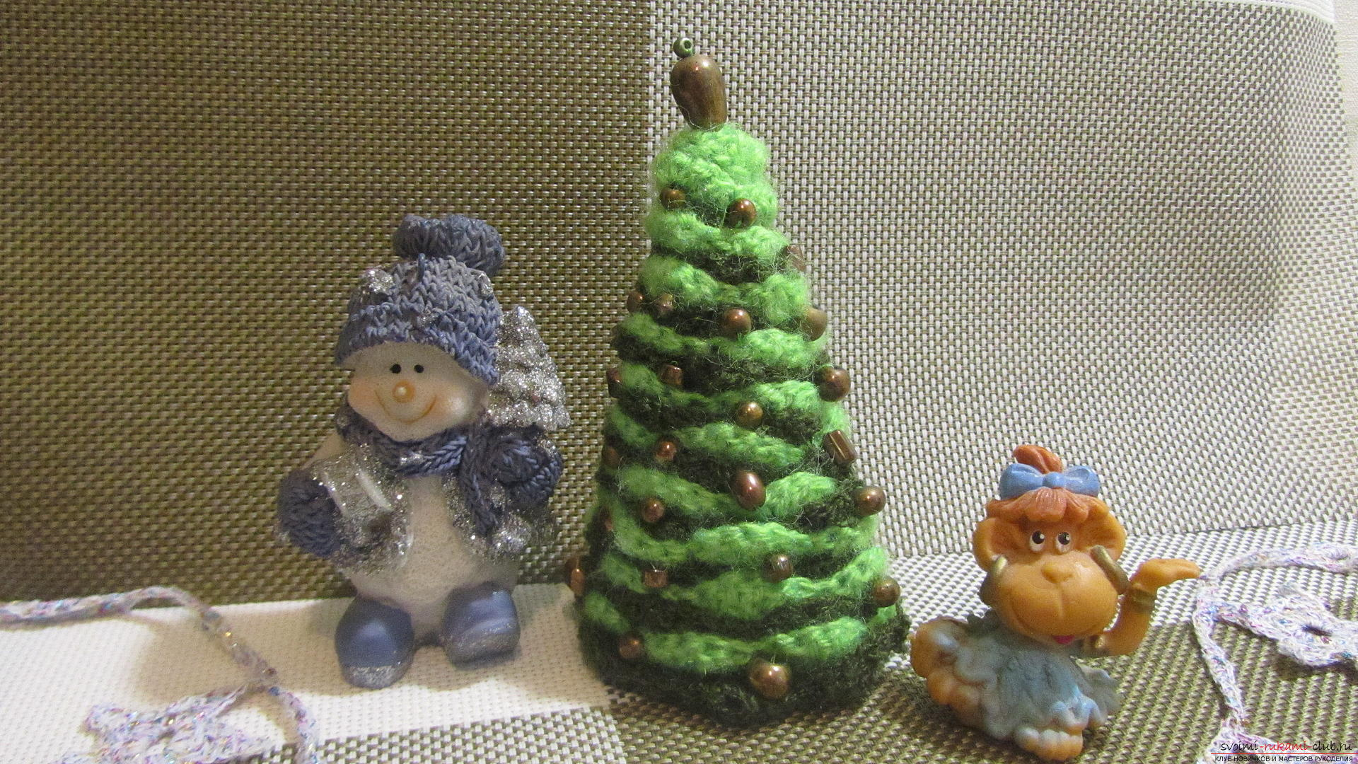 The master class will teach you how to make an original New Year's craft - a crocheted Christmas tree. Photo №1