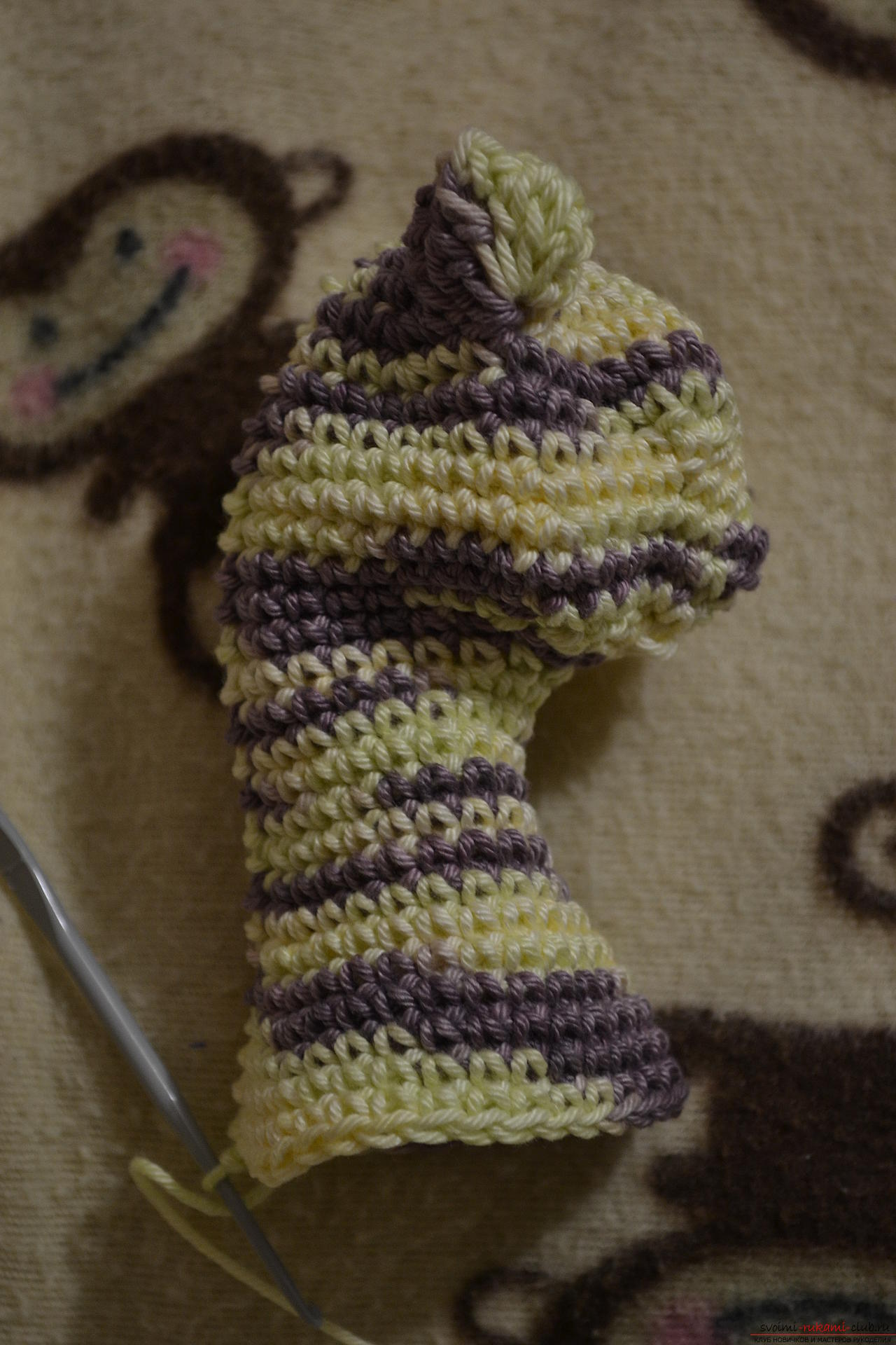 This master class of crocheting with a photo and diagram will teach how to tie a beautiful cat .. Photo №15