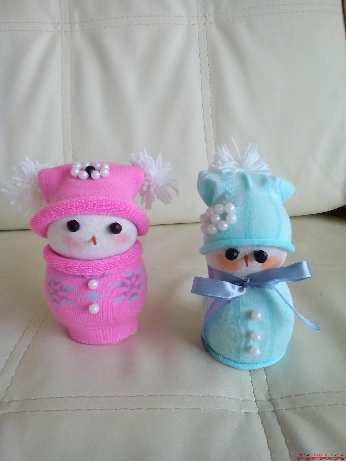 This master class will teach you how to make an interesting craft with your own hands - a snowman from the sock .. Photo №1