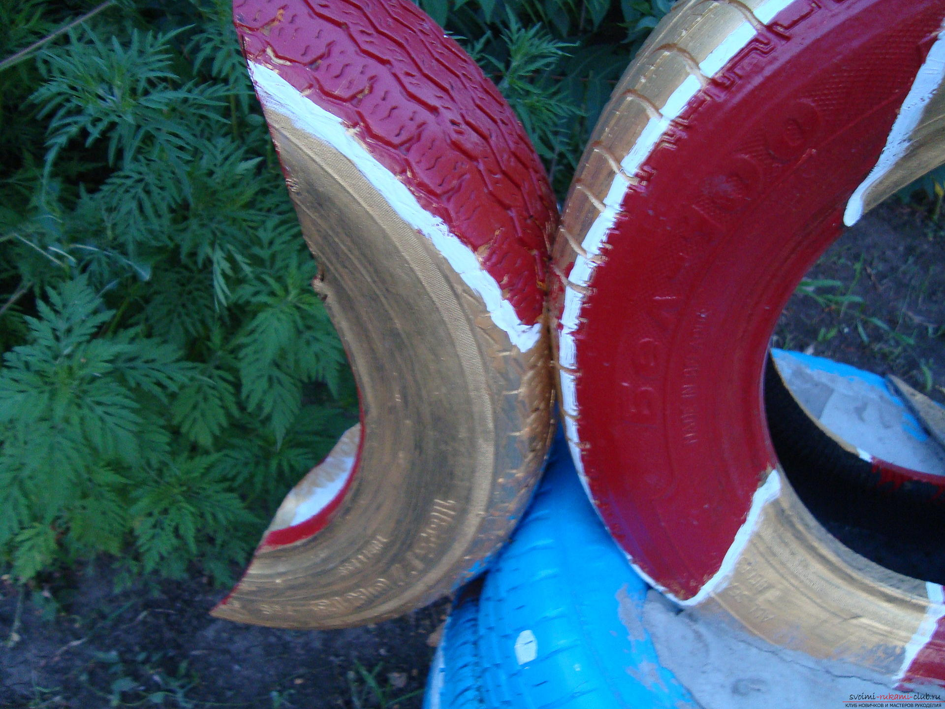 Different crafts made of tires can decorate the yard or playground .. Photo №6