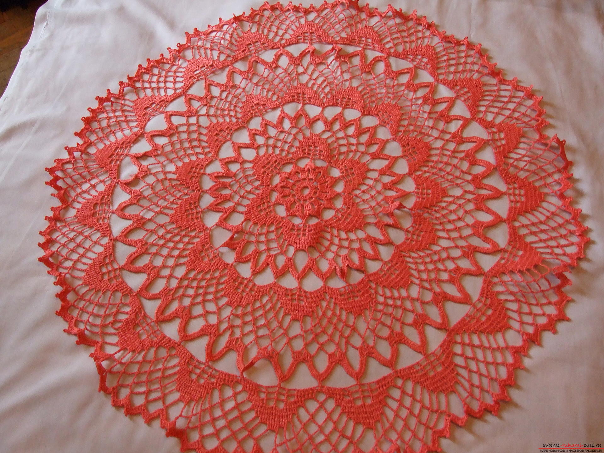 Bright coral tablecloth. Photo №1
