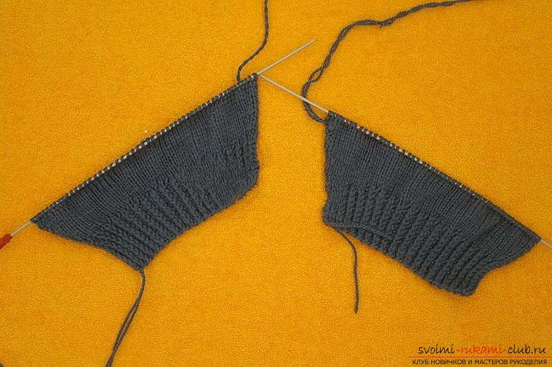 We knit the sweater with knitting needles. Photo №7