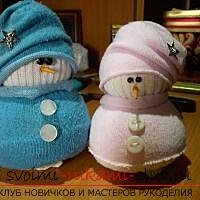 New Year's snowman with their own hands, how to make a snowman, New Year's crafts with their own hands, a snowman made of polymer clay, a snowman made of cloth, a snowman made of light bulbs .. Photo # 20