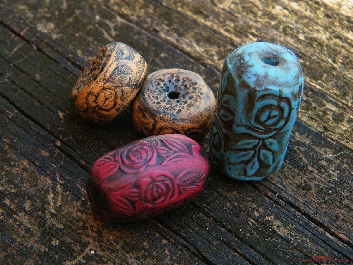 We create a beautiful decoration of polymer clay with our own hands - a lesson. Photo №1
