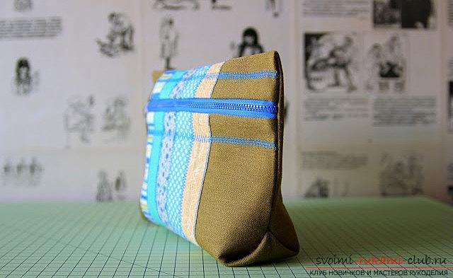 A spacious cosmetic bag sewn in the technique of patchwork sewing. Picture №33