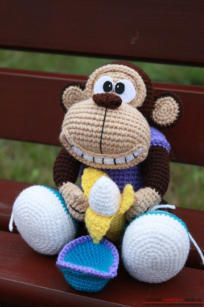 Monkey amigurumi with his hands with a step-by-step description and photo. Photo Number 19