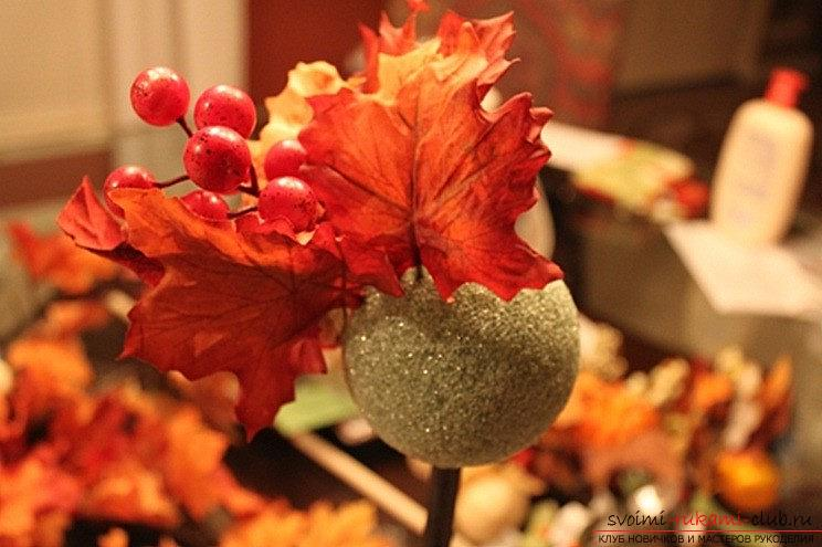 Crafts from maple leaves with their own hands: several lessons. Photo # 2