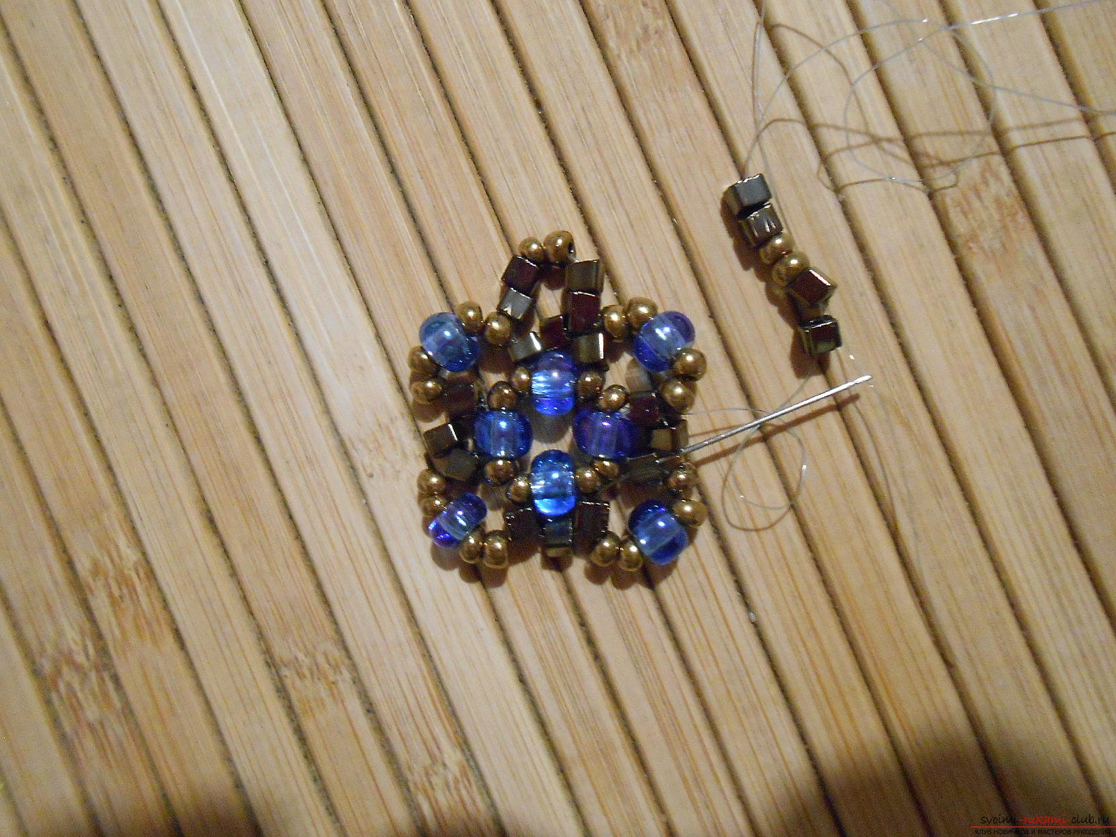 This master class with a scheme will teach you how to make earrings from beads with your own hands. Photo Number 9