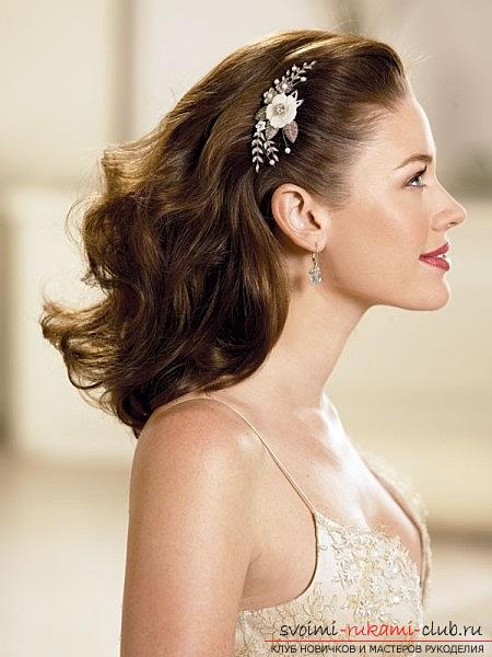 How to perform a beautiful wedding dress on medium hair with your own hands. Photo №5