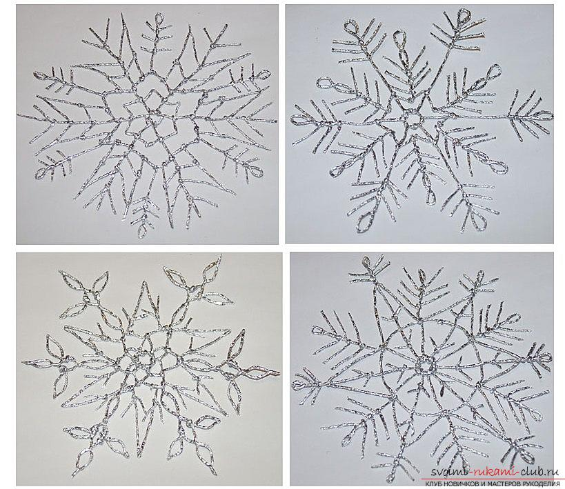 Decoration of snowflakes and candles from foil. Picture №10