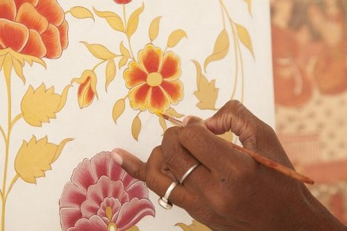 Wall painting in autumn patterns