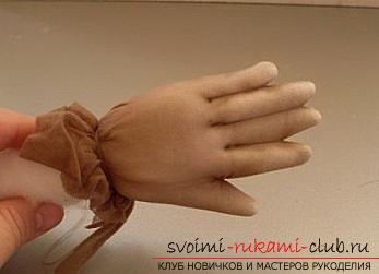 Пошиття ляльки з капронових колготок і пластикової пляшки. фото №26
