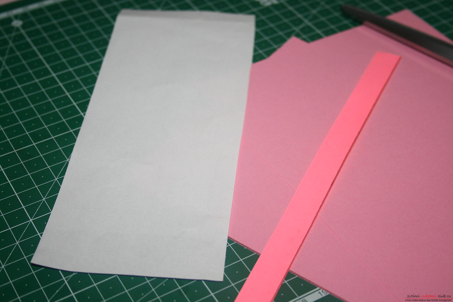 This master class will teach you how to make an original gift for the New Year - scrapbooking notebook. Photo №8