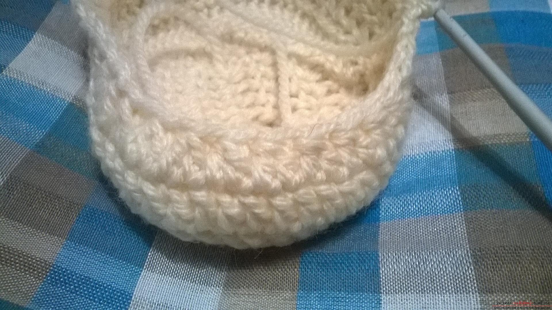This master class with the description, the scheme and the video will teach how to knit booties crocheted .. Photo №15