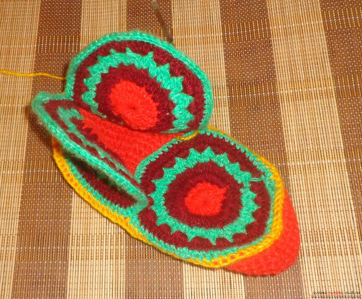 Photos of the process of crochet at home high slippers. Picture №10