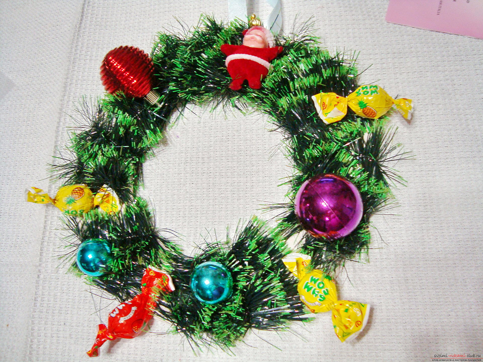 Christmas wreath, created by own hands, will bring happiness to the house for the whole New Year. Photo # 6