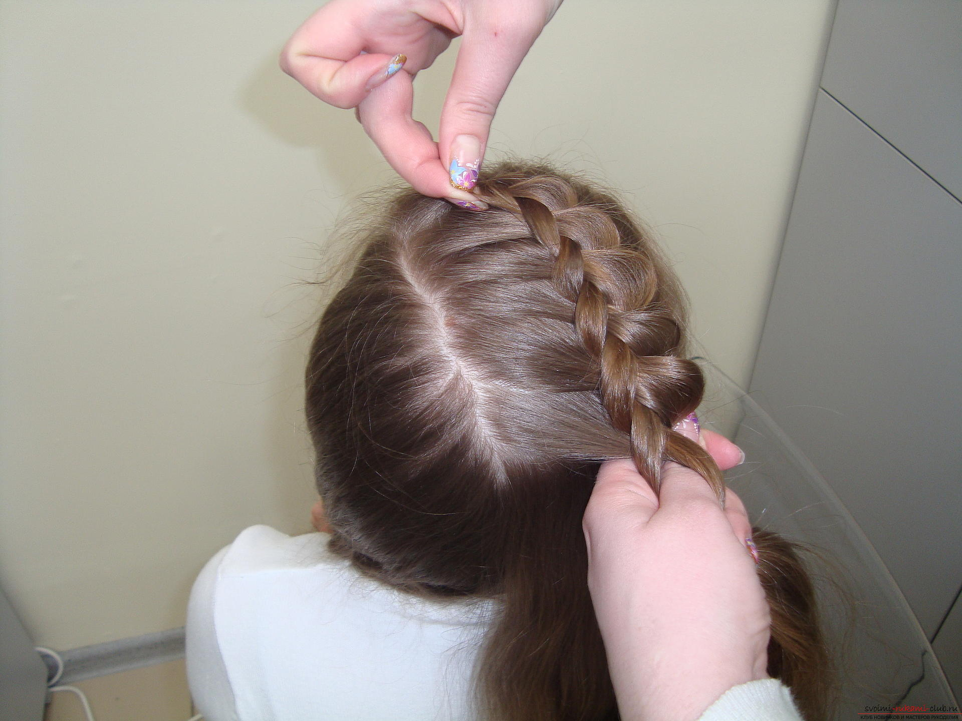 Photo to the lesson on the weaving of French braids. Photo №6