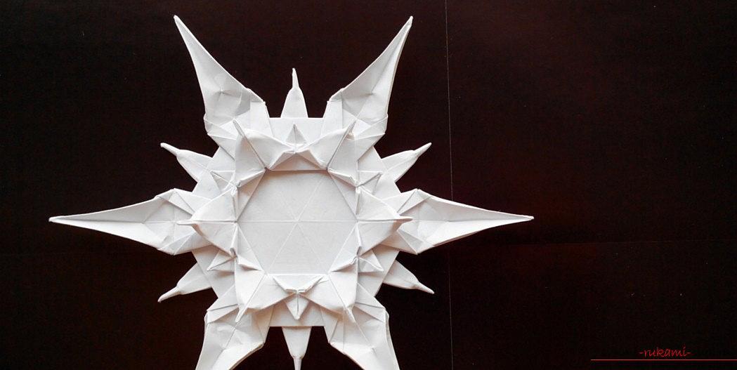 Новорічна орігамі-іграшка та способи оформлення. фото №1