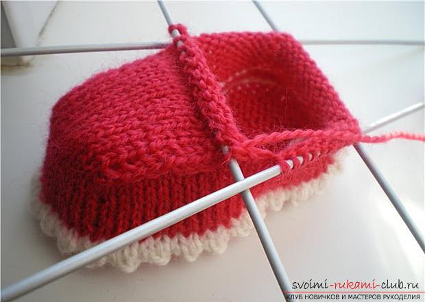 Unique baby booties with knitting needles for children. Photo №5