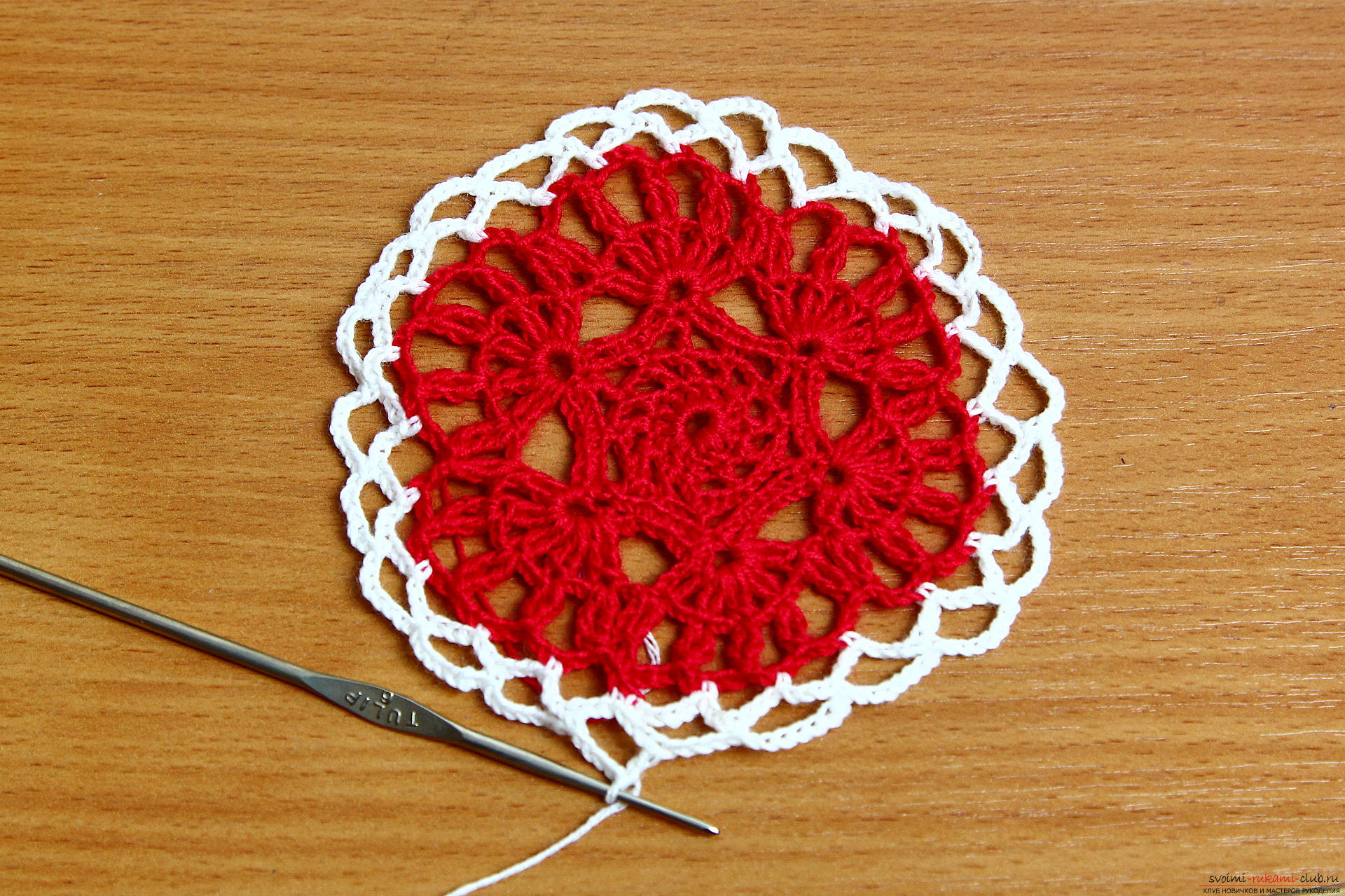The master class will teach how to crochet a New Year's craft - a knitted Christmas tree toy. Photo Number 9