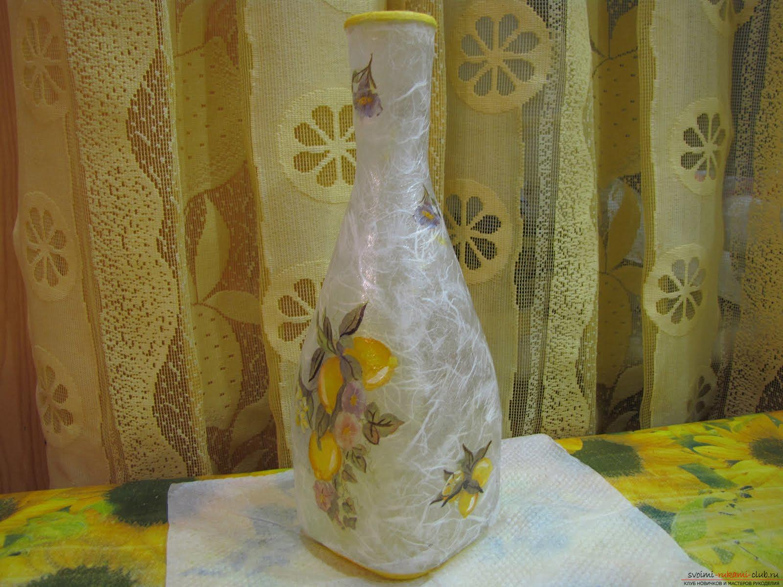 How to do decoupage bottles with rice paper. Photo №1