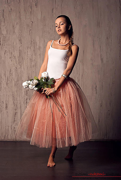 A bright lush skirt of tulle with your own hands on a pattern and photo. Picture №3