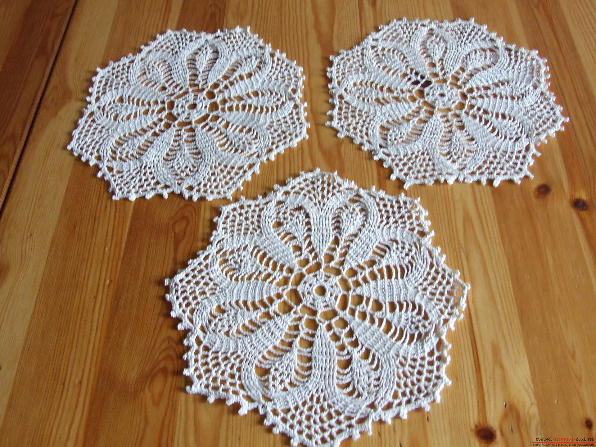 Openwork round tablecloth and napkins. Photo №1