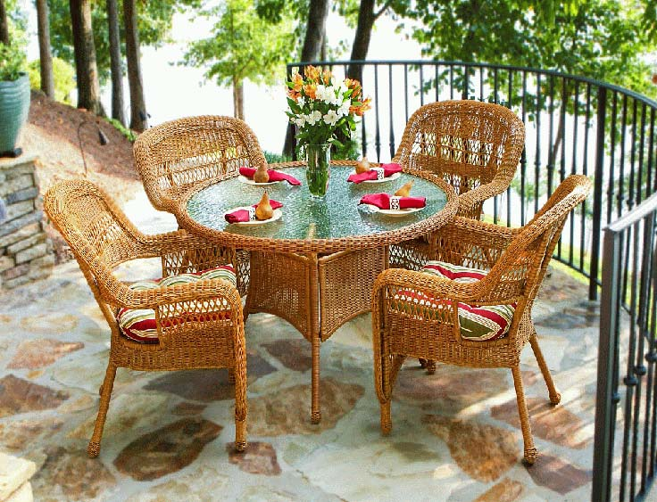 In addition to plastic, furniture and other materials can be used on the balcony and loggia.
