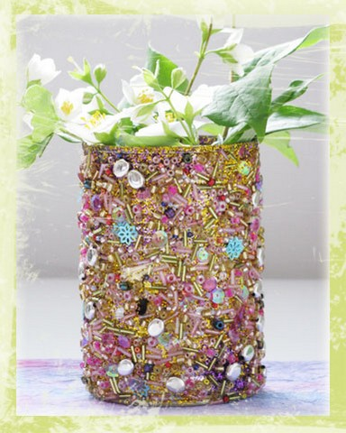 Beads are perfect for tin can decor