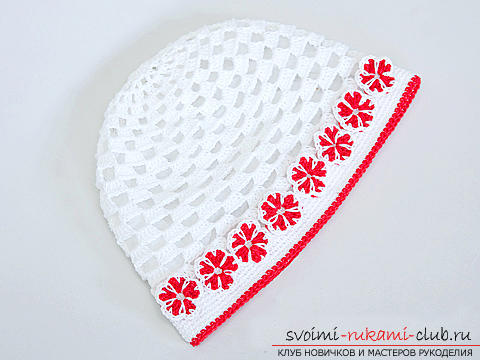 A beautiful cap for a girl crocheted by her own hands. Photo number 12