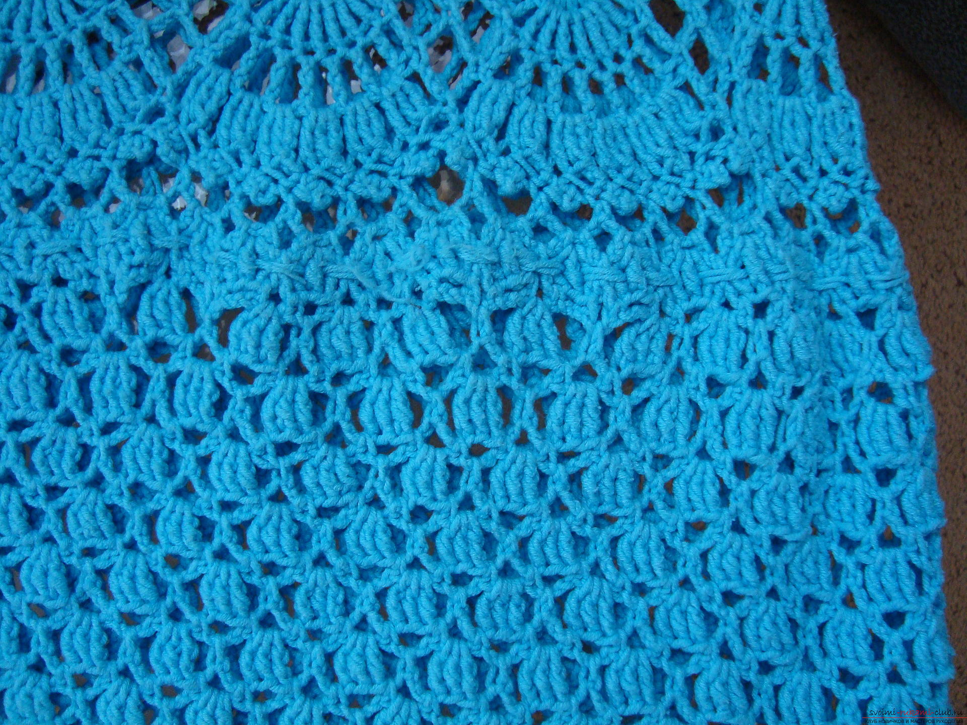 Step-by-step instruction on the binding of a turquoise dress with a crochet. Photo number 12